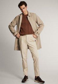Massimo Dutti - Trenchcoat - beige - 0