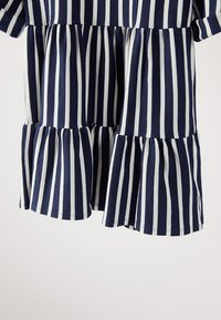 Massimo Dutti - GESTREIFTES KLEID AUS BAUMWOLLE IN MARINEBLAU 06618134 - Day dress - blue-black denim - 4