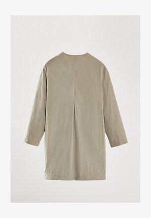 LONG PARKA WITH POCKETS 06708114 - Krótki płaszcz - beige