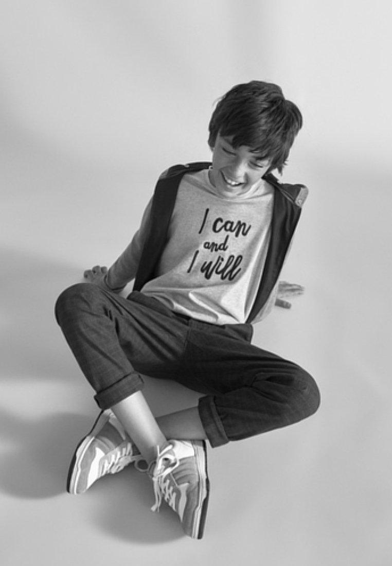 Massimo Dutti - I CAN AND I WILL - T-Shirt print - dark grey