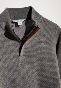 Massimo Dutti - MIT STRUKTURMUSTER  - Pullover - grey - 5