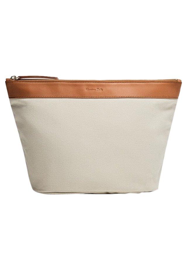 Toilettas - brown