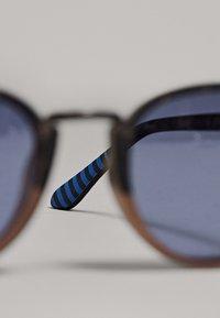Massimo Dutti - Lunettes de soleil - blue - 3
