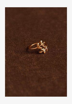 RING MIT BLÄTTERVERZIERUNG 04619082 - Ring - gold