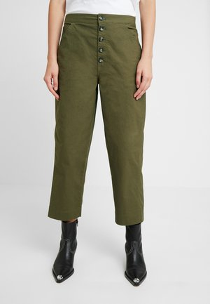 RELAXED LEG PANT BUTTON FRONT - Trousers - kale
