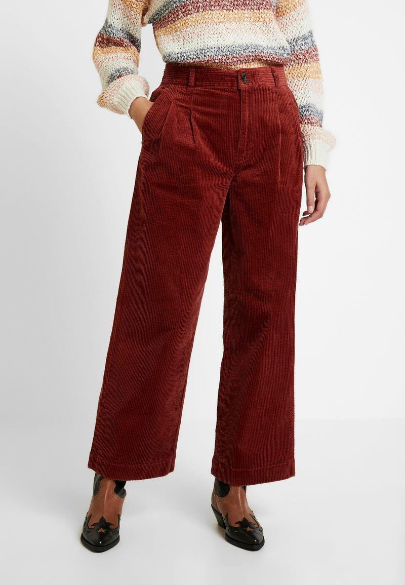 Madewell - PLEATED WIDE LEG FULL LENGTH - Trousers - burnished mahogany