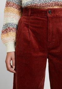 Madewell - PLEATED WIDE LEG FULL LENGTH - Bukse - burnished mahogany - 5