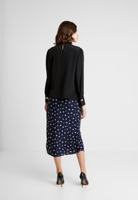 Madewell - PULL ON MIDI SKIRT IN DAISY - Gonna a tubino - dark nightfall