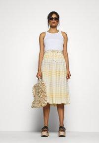 Madewell - PAPER BAG MIDI SKIRT - A-line skirt - ombre pollen - 1