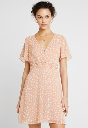 ROUCHED WAISTBAND BUTTON FRONT RETRO - Day dress - antique coral