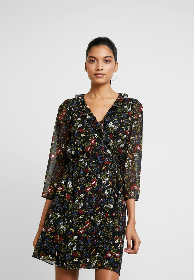 RUFFLE WRAP DRESS IN BIRD FLORAL - Vestito estivo - true black