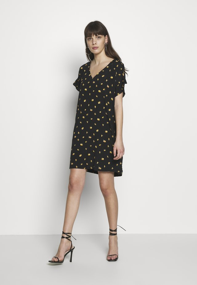 RUFFLE SLEEVE EASY DRESS IN - Korte jurk - marguerite daisy/true black