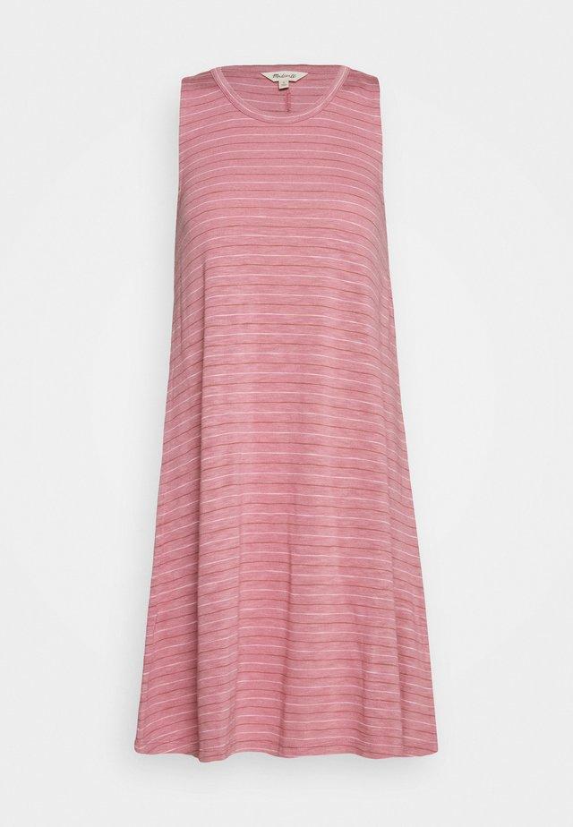 HIGHPOINT TANK DRESS IN STRIPE - Žerzejové šaty - weathered berry