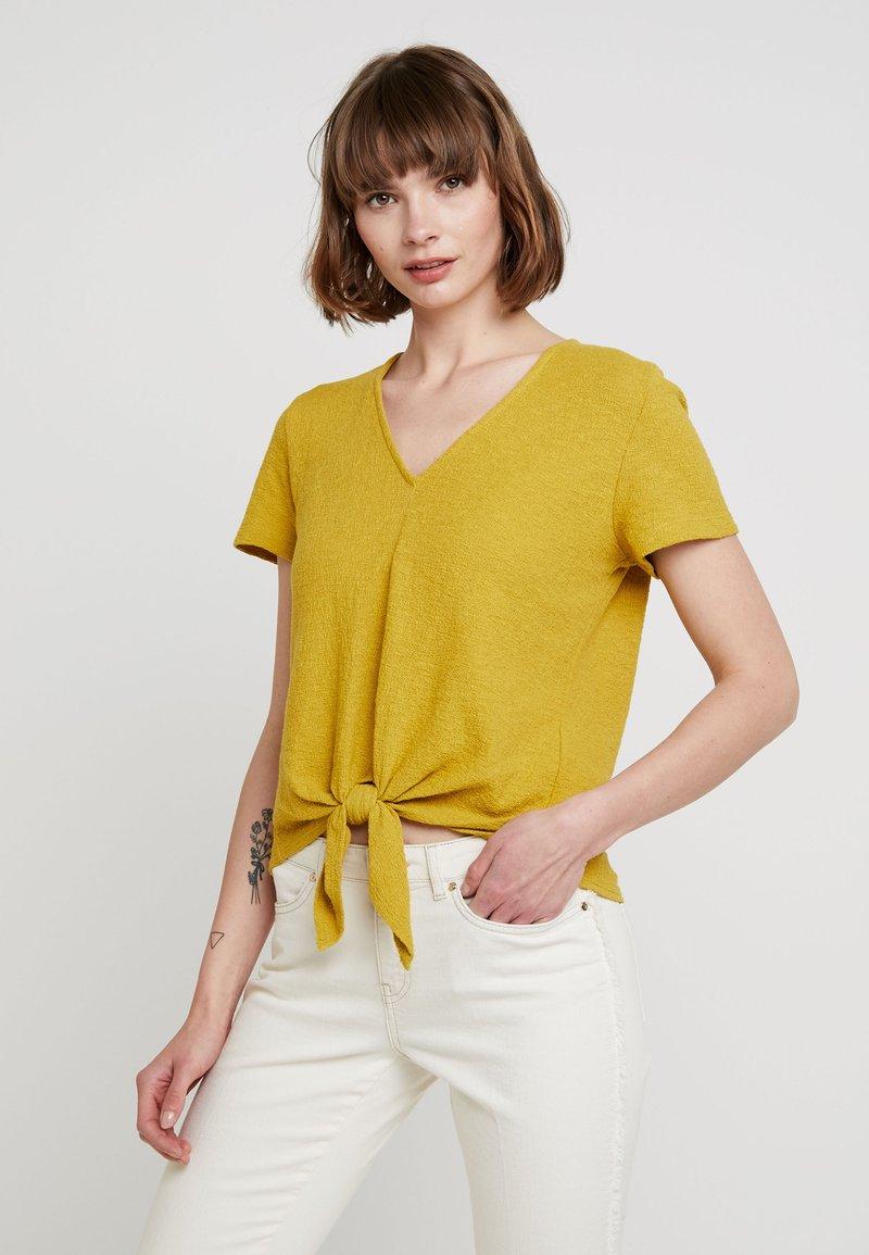Madewell - MODERN V NECK TIE FRONT - T-shirt print - golden meadow