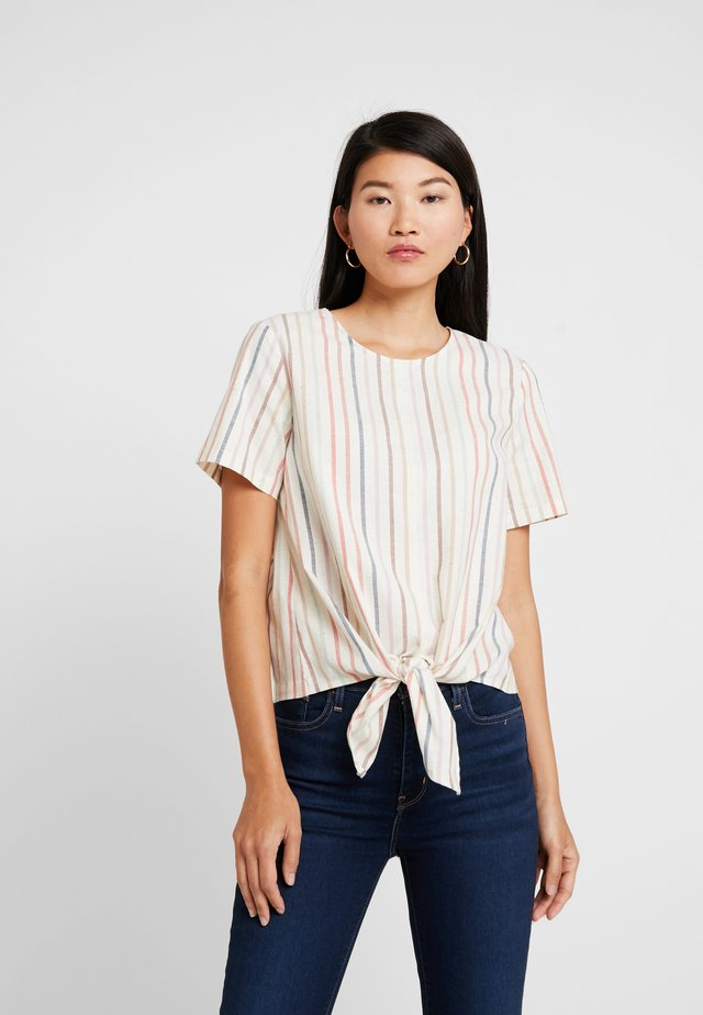 TIE FRONT BUTTON BACK TEE IN RAINBOW NEPS STRIPE - Print T-shirt - pearl ivory