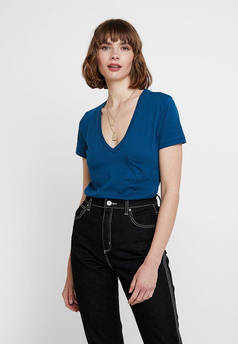 Madewell - WHISPER V NECK POCKET TEE - T-Shirt basic - blue seascape