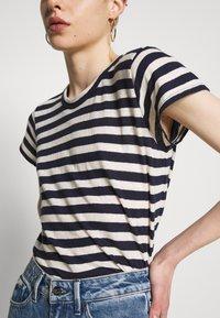 Madewell - DAFFODIL TEE IN COOT STRIPE - Print T-shirt - dark nightfall - 5