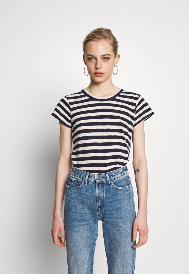 DAFFODIL TEE IN COOT STRIPE - T-Shirt print - dark nightfall