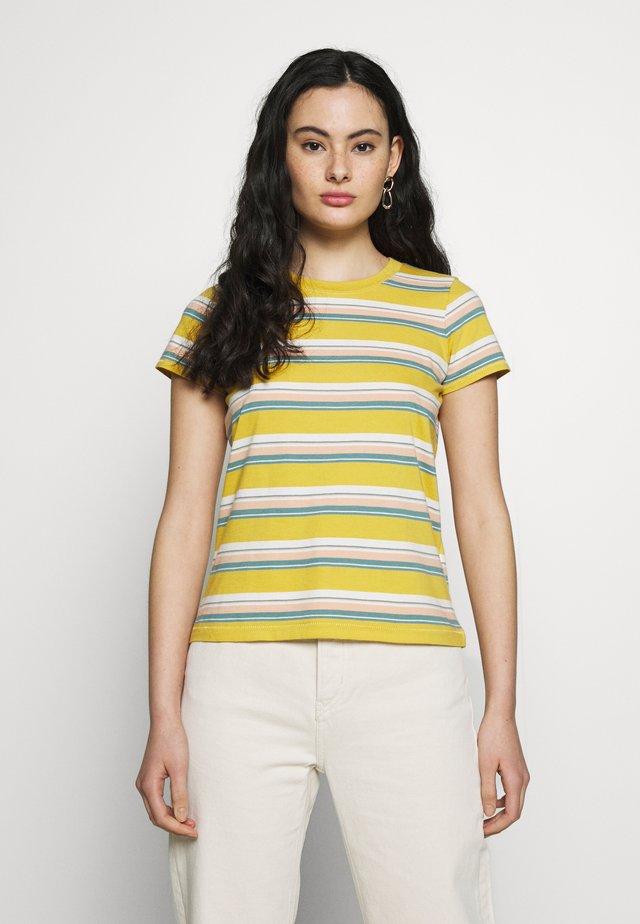 NORTHSIDE VINTAGE TEE IN PUER STRIPE - T-shirt imprimé - greek gold puer stripe