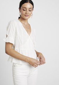 Madewell - TIE SLEEVE WRAP IN SWISS DOT - Blouse - pale - 3