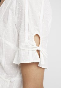 Madewell - TIE SLEEVE WRAP IN SWISS DOT - Blouse - pale - 5