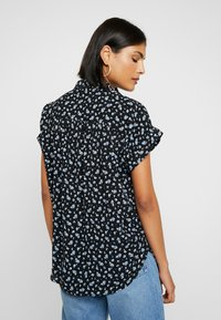 Madewell - CENTRAL DRAPEY FLORAL - Button-down blouse - true black - 2