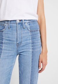Madewell - NOVELTY CLASSIC IN - Straight leg jeans - clairmont wash - 4