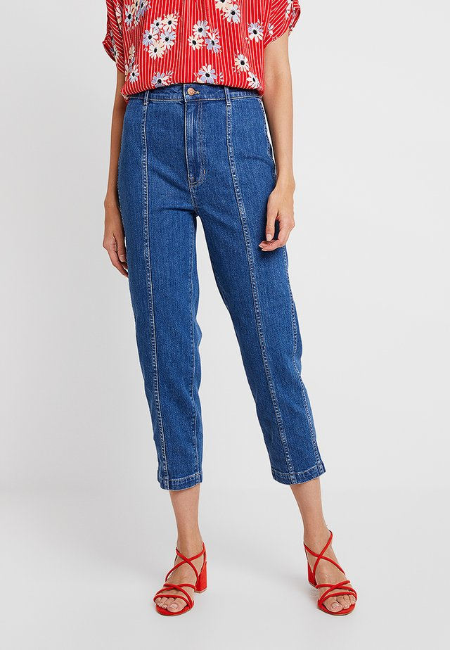 PIN PANT WITH SEAMING IN - Jeansy Slim Fit - fernhill wash