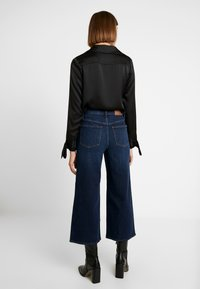 Madewell - BUTTON FRONT WIDE LEG CROP - Flared Jeans - hayes wash - 2