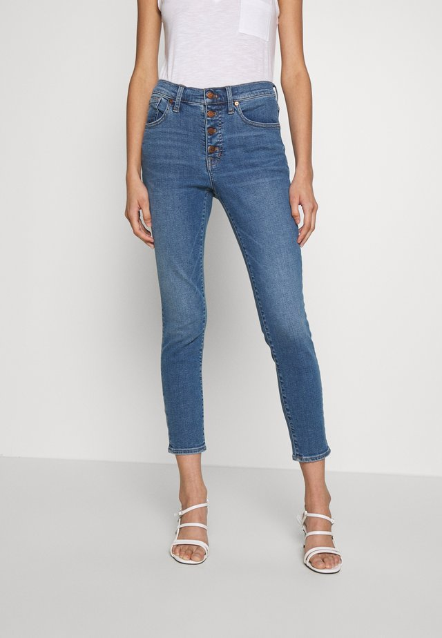 HIGH RISE CROP BUTTON FRONT - Jeansy Skinny Fit - dewey