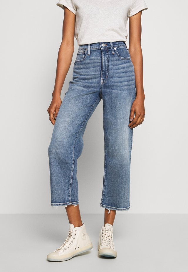WIDE LEG LIGHT INDIGO - Flared Jeans - reggie