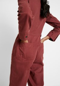 Madewell - HOLIDAY COVERALL - Jumpsuit - rusted burgundy - 4