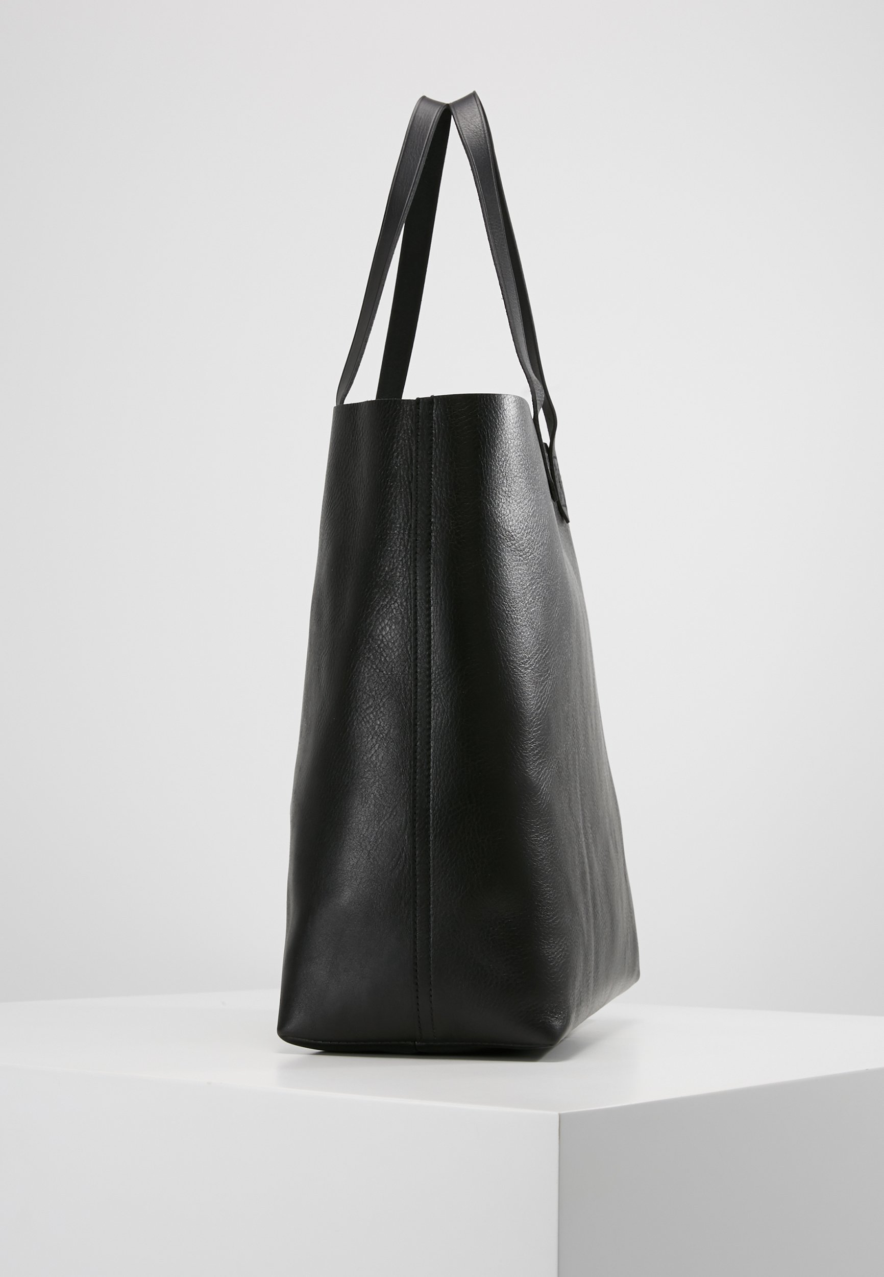 THE TRANSPORT TOTE Shopping Bag true black
