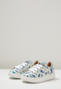 MAÁ - Baby shoes - dolphins/off white - 3
