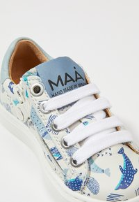 MAÁ - Baby shoes - dolphins/off white - 2