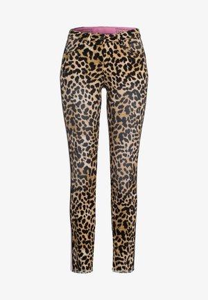 MIT LEOPARDENPRINT - Slim fit jeans - sand