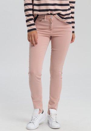 Slim fit jeans - nude