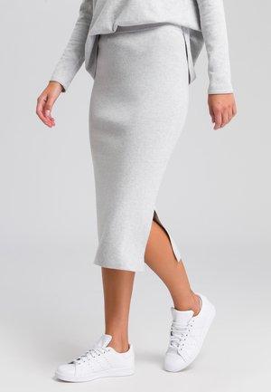 MIT SEITENSCHLITZ - Pencil skirt - grey