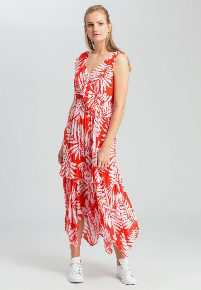 MIT BLÄTTER-DESSIN - Day dress - orange