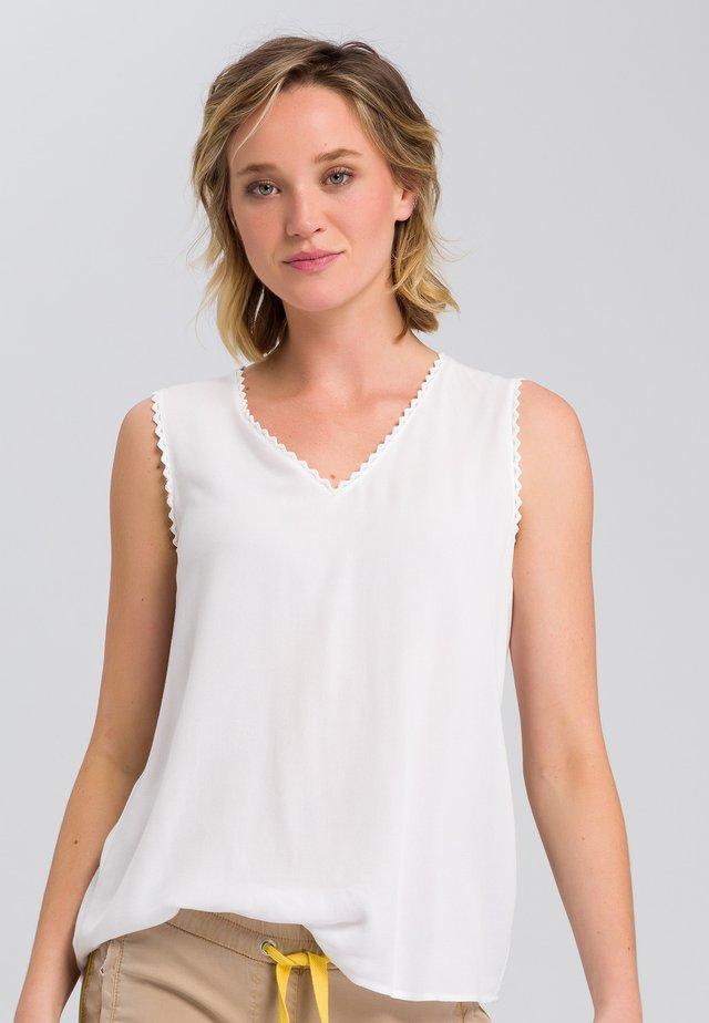 MIT SPITZENKANTE - Blouse - off white
