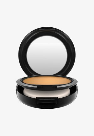 STUDIO FIX POWDER PLUS FOUNDATION - Fondotinta - nc50