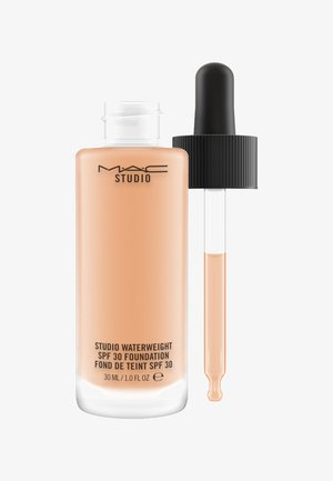 STUDIO WATERWEIGHT SPF30 FOUNDATION - Fond de teint - nc37