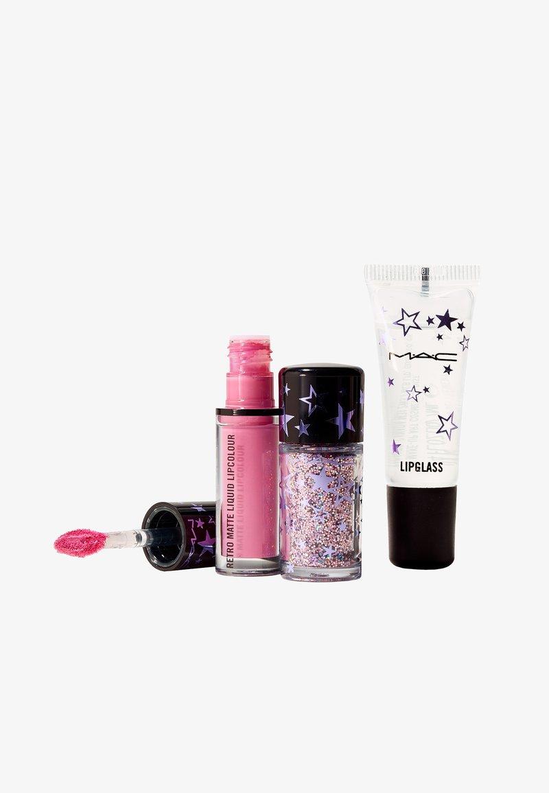 MAC - SHINING MOMENT KIT - Set de maquillage - fuchsia