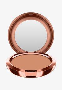MAC - BRONZING COLLECTION NEXT TO NOTHING BRONZING POWDER - Bronzer - beige-ing beauty - 0