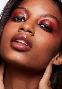 MAC - ART LIBRARY - Eyeshadow palette - flame-boyant - 7