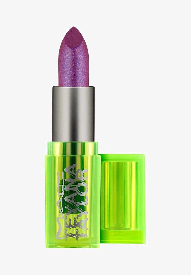 LIPSTICK - Lipstick - junie bee