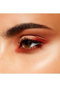 MAC - EYE SHADOW - Eye shadow - soft brown - 4