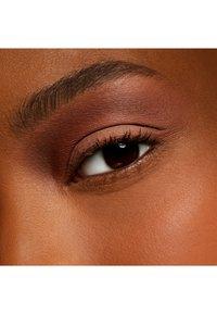 MAC - EYE SHADOW - Eye shadow - soft brown - 2