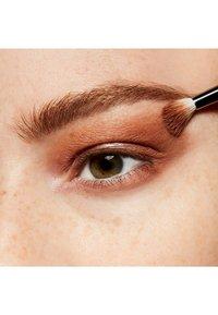 MAC - EYE SHADOW - Eye shadow - soft brown - 3