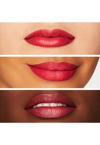 MAC - RETRO MATTE LIPSTICK - Lipstick - relentlessly red - 1
